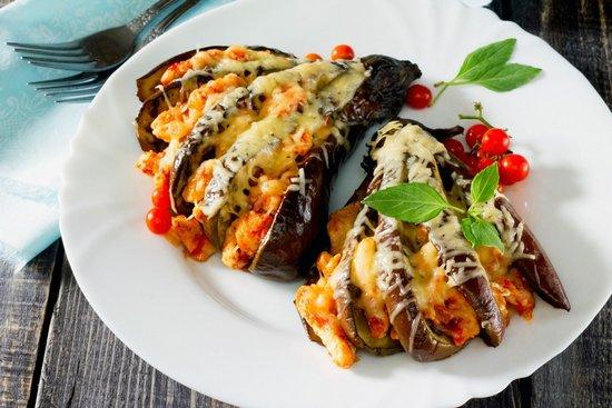 Баклажаны, запеченные в духовке с сыром