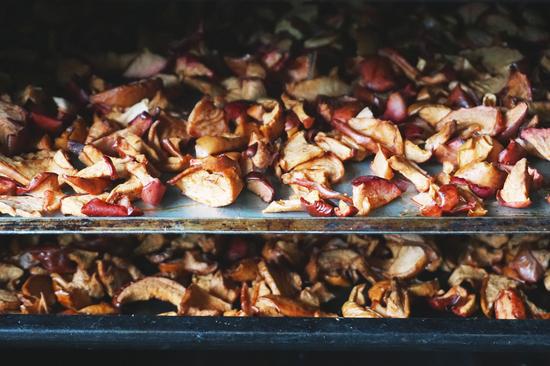 как посушить яблоки в духовке