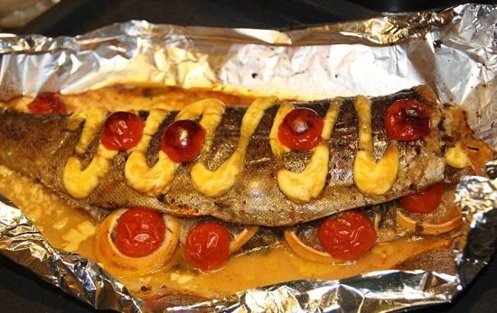 Красная рыба в духовке в фольге: рецепт