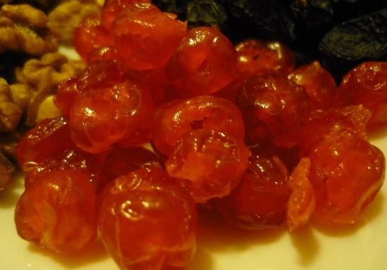 вяленые вишневые ягоды