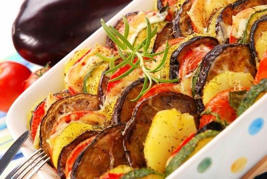 Баклажаны с картошкой в духовке: рецепт