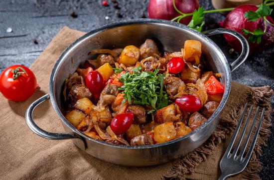 Баранина с овощами в духовке: рецепт