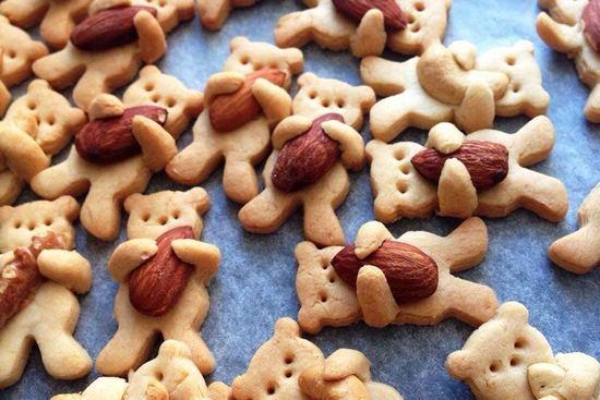 печенье в виде оригинальных фигурок