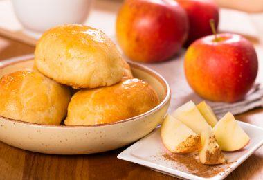 Пирожки с яблоками в духовке: рецепт