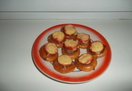 Баранки с фаршем: рецепт в духовке