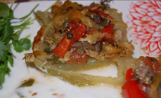 Лодочки-кабачки, запеченные в духовке с помидорами