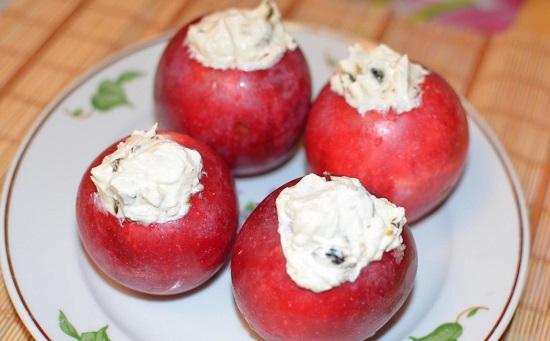 Наполняем яблоки творожной начинкой