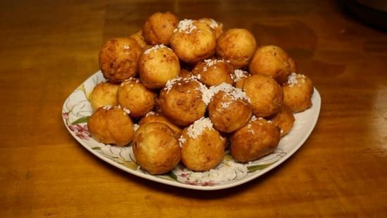Румяные пончики на кефире в духовке