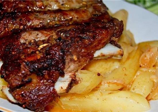 Каре ягненка: рецепт в духовке с картошкой и травами
