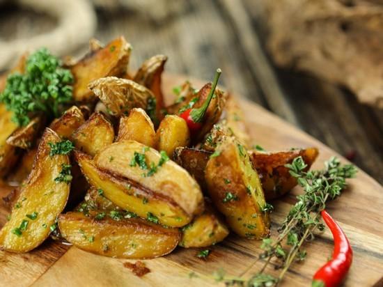 Как сделать картофель по-деревенски вкуснее