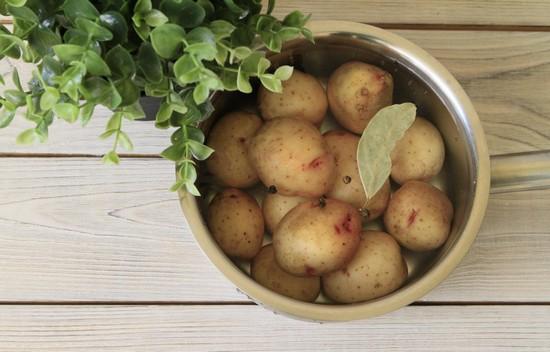 вкус запеченной в духовке картошечки