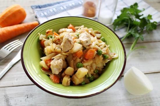 Вкусной получится картошка с курицей в духовке в фольге