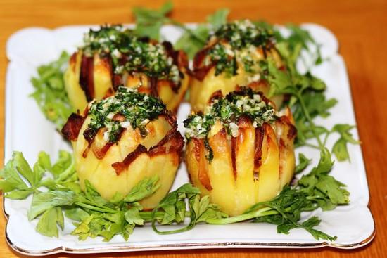 варианты приготовления картофеля с беконом