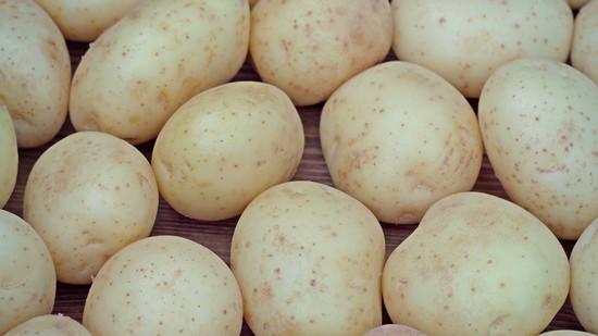 картошка в мундире приготовилась равномерно