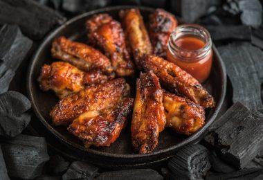 Как приготовить крылышки барбекю с хрустящей корочкой?