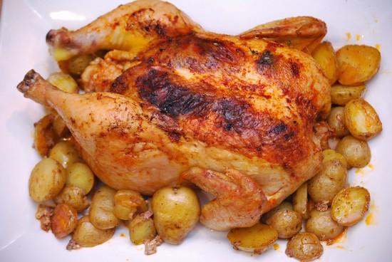 рецепты курицы в духовке целиком с картошкой