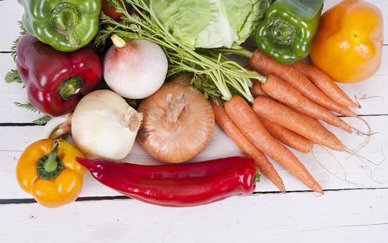 Добавлять к лещу можно любые овощи