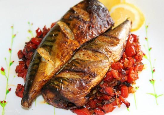 Навага в духовке: рецепт приготовления рыбы целиком