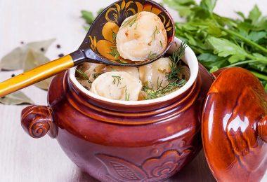 Как правильно готовить пельмени в горшочках?