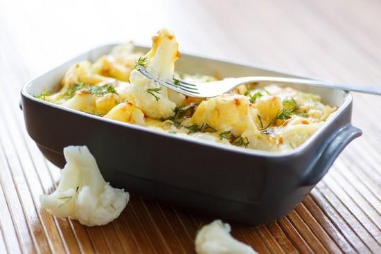 Запеченная рыба в фольге в духовке с картошкой и цветной капустой