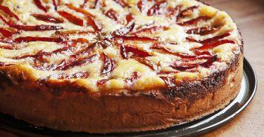 Как испечь сладкий пирог в духовке?