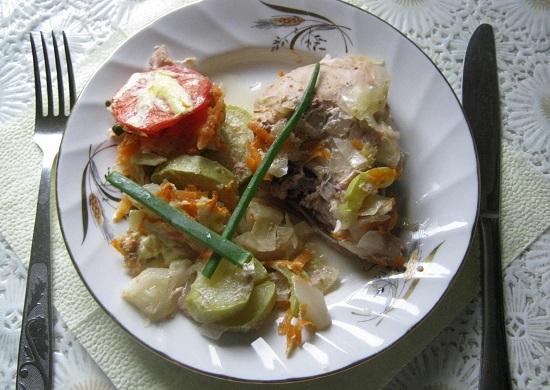 Запеченные овощи с курицей в духовке: рецепт