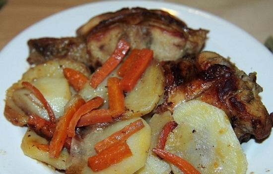 Кролик с картошкой в духовке: рецепт