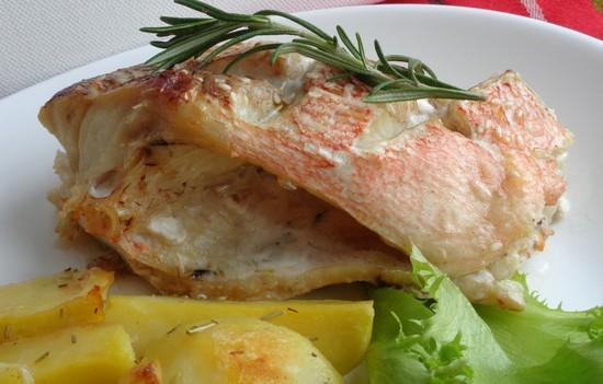 рецепт морского окуня в духовке в фольге с картошкой