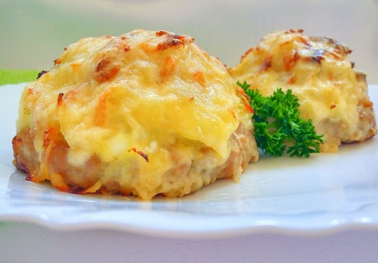 Быстрые стожки из фарша под шубой: рецепт с яйцом и горчицей