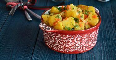 Тушеная картошка в духовке (с мясом)