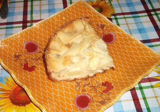 Шарлотка с яблоками в духовке: классический рецепт