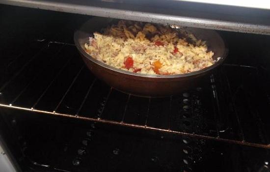 Макароны, запеченные в духовке с сыром